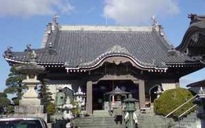 Hachi ju hachi ka sho junrei (八十八ヶ所巡礼) le pèlerinage de 88 temples à Shikoku Accès à la galerie du temple : Idoji (井戸寺)